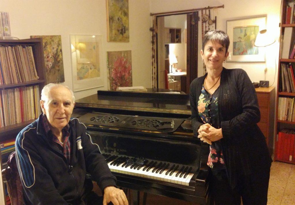 עם המלחין מוני אמריליו בערב זמר של שיריו